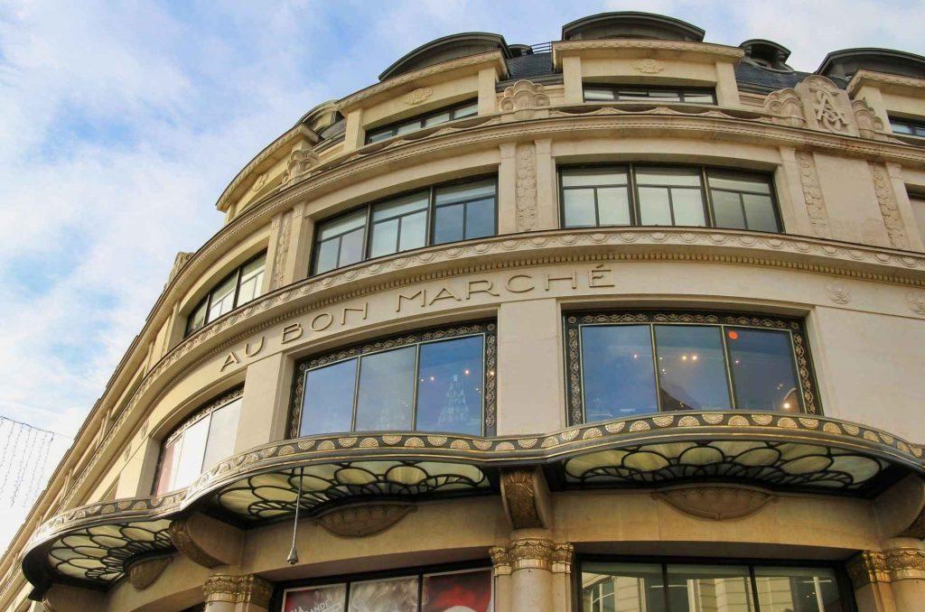 ingresso principale del bon marché di Parigi.