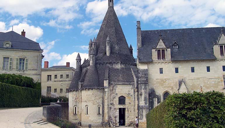 Visita Guidata all'Abbazia di Fontevraud - Tour della Loira | Parigirando