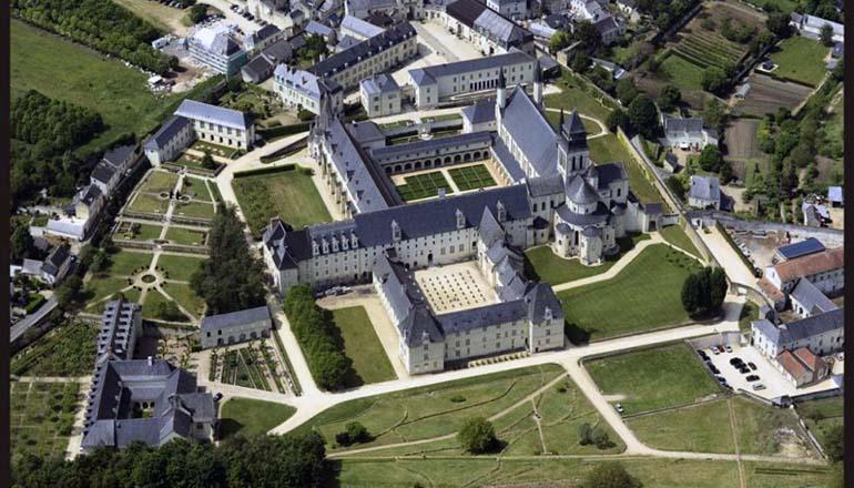abbazia-fontevraud-veduta-aerea