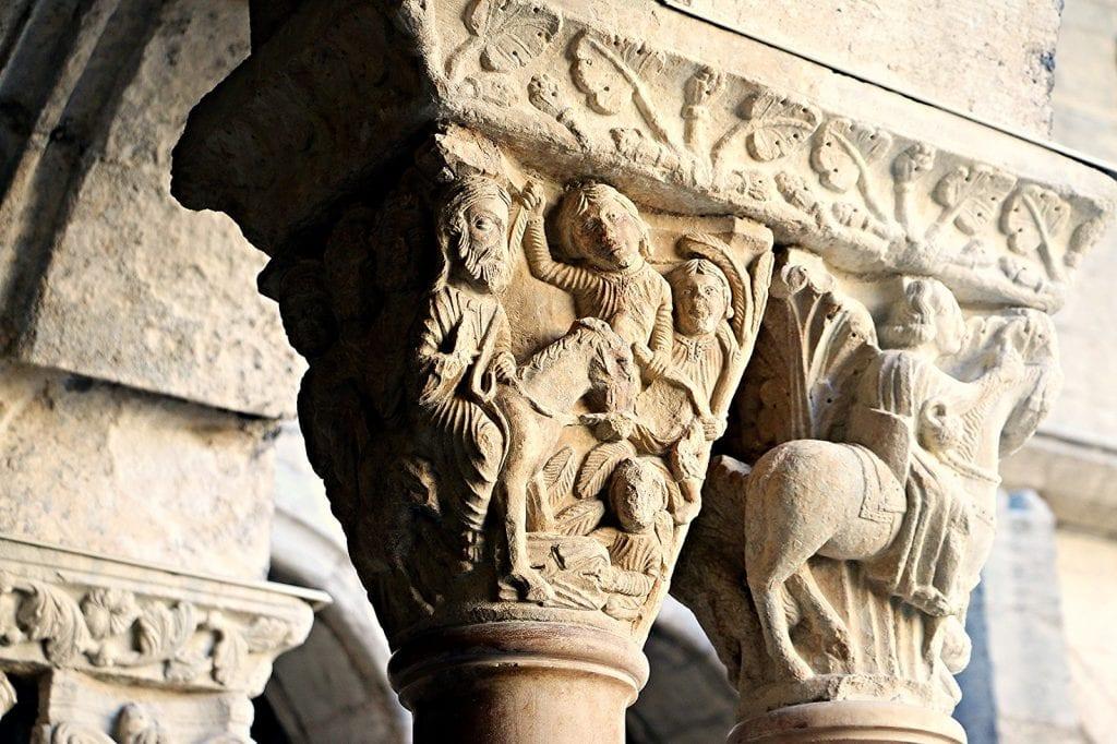 Particolare di un capitello - Chiostro di Saint Trophime