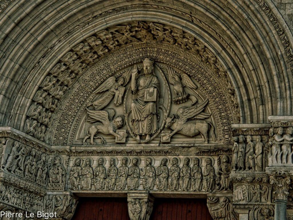 Portale della chiesa di Saint Trophime