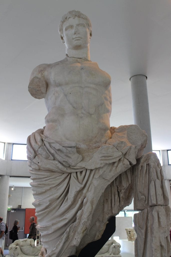 Statua colossale di Augusto