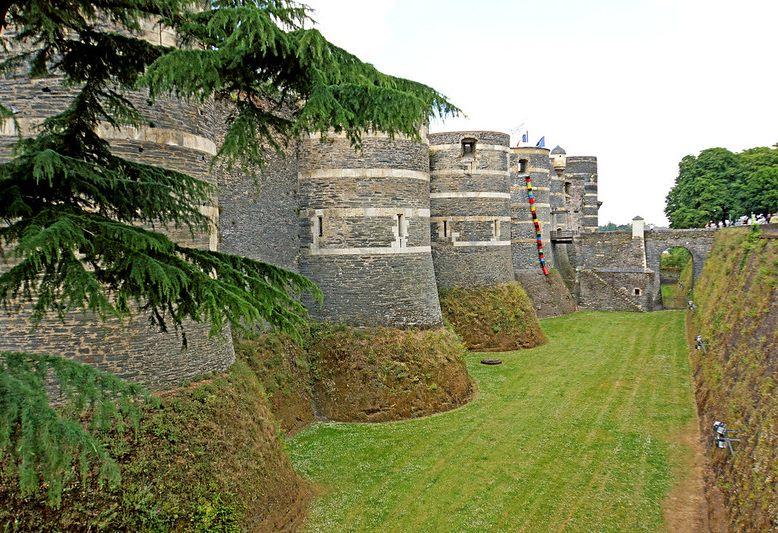 mura di cinta del castello di angers