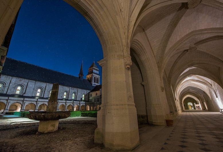 corridoio del chiostro dell'abbazia