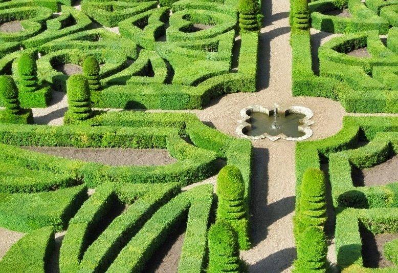 deorazione a motivi geometrici dei giardini di villandry