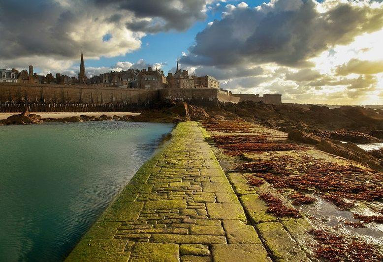 vista esterna della città di Saint Malo