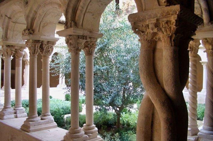 chiostro-cattedrale-aix-en-provence