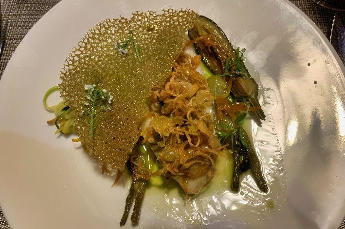 Piatto di pesce in un ristorante a Saint Malo